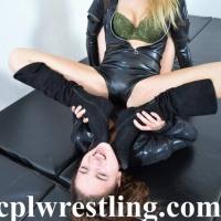 DSC_0142 Bella vs Rosalei Leather Outfit  - Gallery