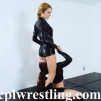 DSC_0197 Bella vs Rosalei Leather Outfit  - Gallery