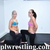 DSC_1753 Jasmine vs Mia Spandex Pants - Gallery