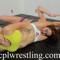DSC_0658 Rosalei vs Bella Submission Match