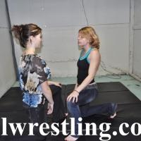 DSC_1050 Hailey vs Megan Jeans Submission