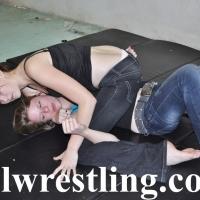 DSC_1066 Hailey vs Megan Jeans Submission
