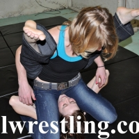 DSC_1186 Hailey vs Megan Jeans Submission