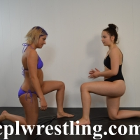 bella-paige-1-tap-facesit-challenge-match-88-pics.-1 Bella vs Paige 1 Tap Facesit Challenge Match