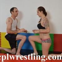 DSC_0453 Mia vs Chris Bikini Match