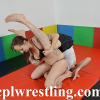 DSC_0557 Mia vs Chris Bikini Match