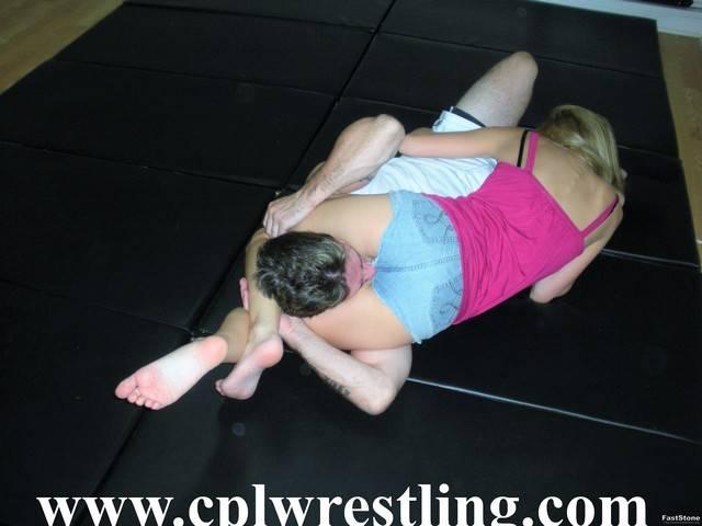 Cpl wrestling hailey vs sam facesitting outdoor